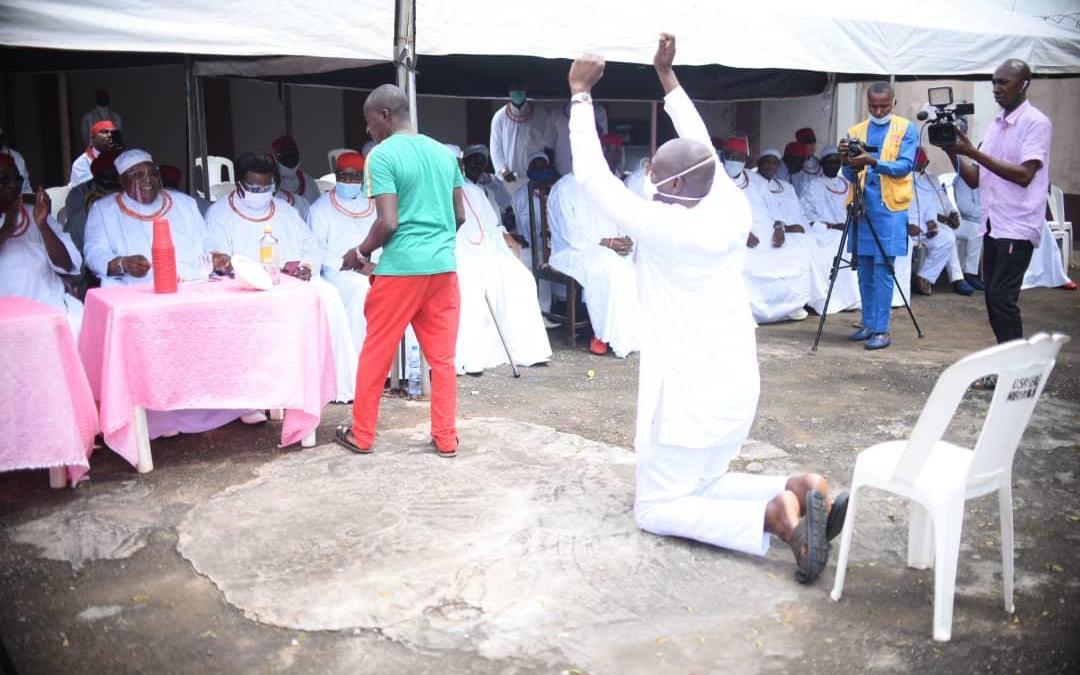 Edo 2020: Ize-Iyamu receives blessings of Enigies in Benin Kingdom