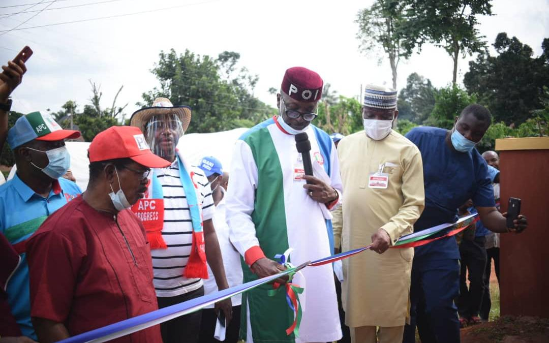 Ize-Iyamu commissions borehole in Uromi, laments government neglect …praises donor Professor Steve Iyayi